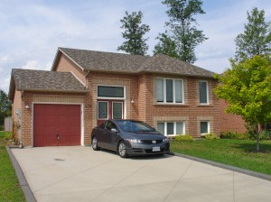 Raised Bungalow for sale in Wasaga Beach