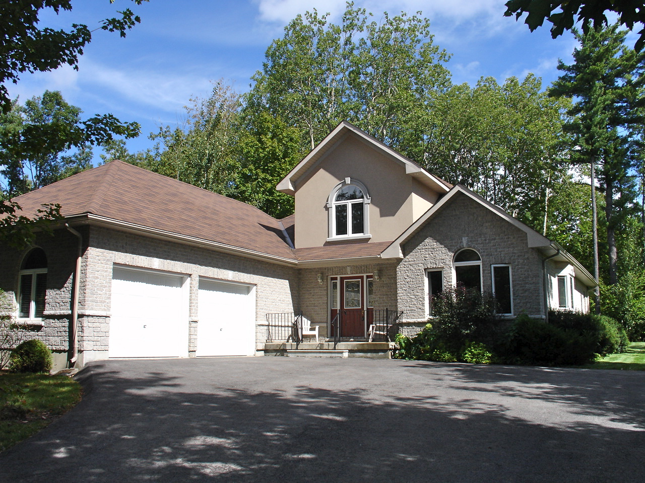 Executive ranch bungalow for sale in minesing the barrie for Executive ranch homes