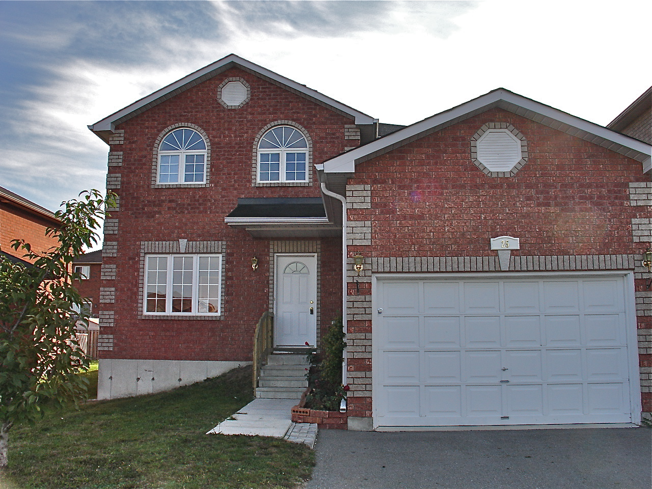 2 story home for sale in barrie the barrie real estate blog for Two story houses for sale