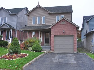 charming 2 story for sale in Barrie