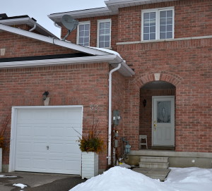 3 bed town home for sale in Barrie