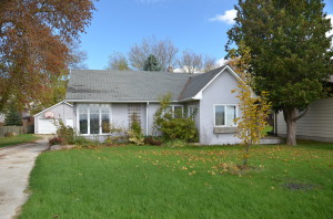 3 bedroom bungalow for sale in Alliston